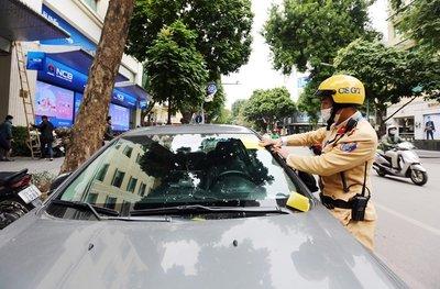 8 tuyến đường CSGT Hà Nội dán phạt nguội ô tô dừng đỗ sai quy định 1