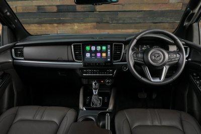 Mazda BT-50 2021 sở hữu trang bị công nghệ cao và tiện dùng.