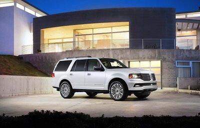 Lincoln Navigator 2015.