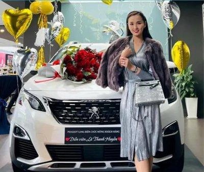 Diễn viên Lã Thanh Huyền chi tiền tỷ tậu Peugeot 3008 ALL NEW mừng năm mới 1