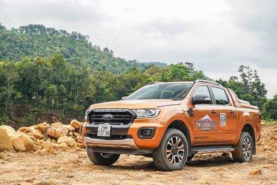 Ford Ranger với hiện tượng chảy dầu.