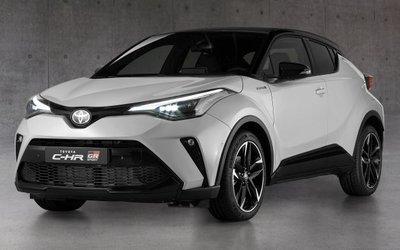 Toyota C-HR GR Sport 2021 chào giá 991 triệu đồng.