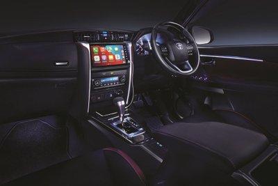Toyota Fortuner 2021 cũng được tinh chỉnh nội thất đẹp mắt hơn.
