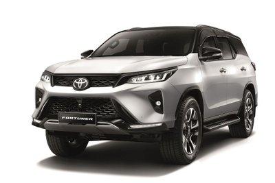 Toyota Fortuner 2021 nâng cấp mới bổ sung thêm 2 biến thể.