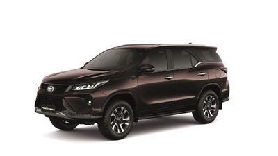 Toyota Fortuner 2021 nâng cấp mới chào giá từ 982 triệu đồng.