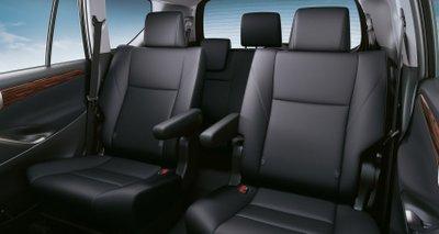 Toyota Innova 2021 facelift sang trọng và rộng rãi.
