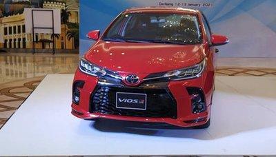 Cận cảnh Toyota Vios GR Sport 2021 tại Việt Nam