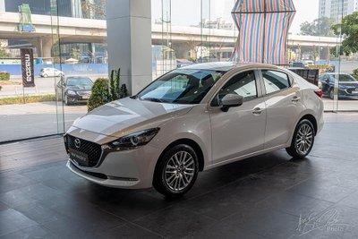 Mazda 2 bán được hơn 300 xe đầu năm 2021.