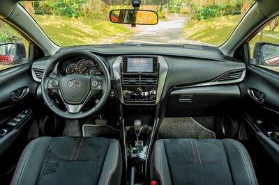 Nội thất Toyota Vios bản thể thao GR-S 1