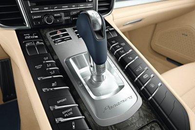 Hộp số DCT xuất hiện phổ biến trên các siêu xe.