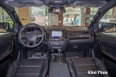 Không gian khoang cabin xe Ford Everest 2021 1