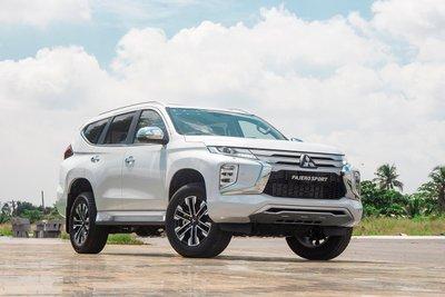 Tùy chọn 4 ưu đãi khi mua Mitsubishi Pajero Sport.