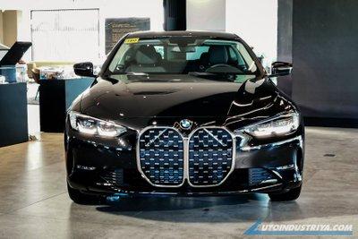 BMW 4-Series 2021 bắt mắt với bộ lưới tản nhiệt đặc trưng.