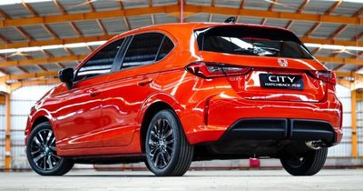 Honda City 2021 Hatchback RS mạnh mẽ, bắt mắt.