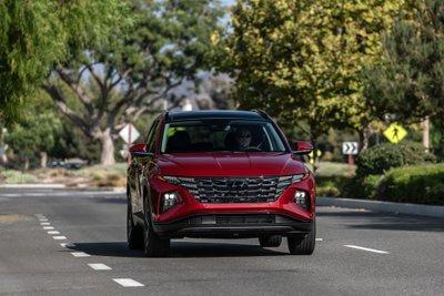 Hyundai Tucson 2022 nâng cấp mới ngầu hơn, hiện đại hơn và mắc hơn bản trước.