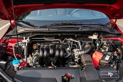 Kiểu bố trí động cơ phía trước thường xuất hiện trên các dòng xe phổ thông.