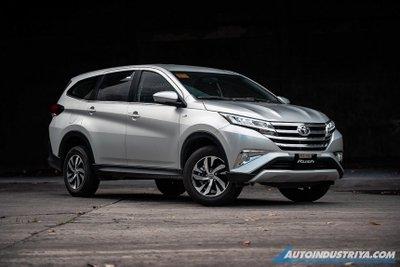 """Toyota Innova 2021 bản chạy xăng vẫn còn """"đất diễn"""" tại thị trường ô tô Việt Nam."""