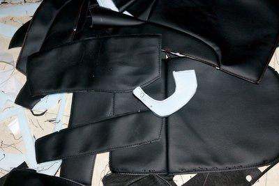 Để hoàn thiện một bộ bọc ghế da hoàn chỉnh phải cần đến hàng trăm chi tiết khác nhau.