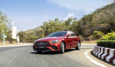 Mercedes-Benz E-Class 2021 là đối thủ trực tiếp củaBMW5-Series 1