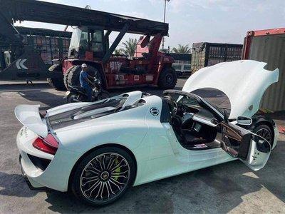 Chiếc Porsche 918 Spyder đầu tiên cập cảng Đà Nẵng, giá sau thuế không dưới 60 tỷ đồng 1