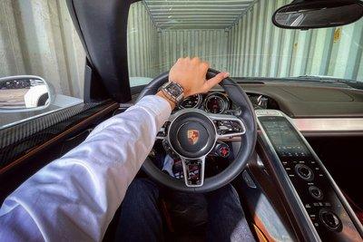 Porsche 918 Spyder là mẫu xe thể thao thương mại sang trọng 1