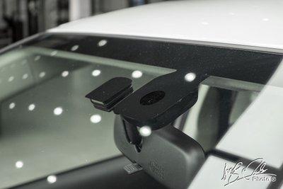 Hệ thống cảm biến gạt mưa và ánh sáng trên Mitsubishi Attrage 2021.