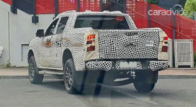 Ford Ranger Wildtrak 2022 còn được ngụy trang khá kín kẽ.