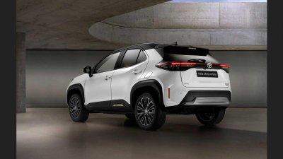 Toyota Yaris Cross Adventure nổi trội, bắt mắt hơn nữa.