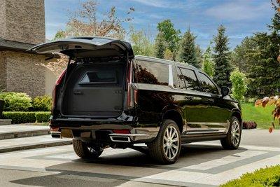 Đuôi xe Inkas Cadillac Escalade 2021 bọc giáp.