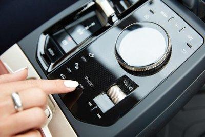 Camera nội thất có thể giúp ghi lại khoảnh khắc và chống trộm.