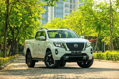 Chốt giá 895 triệu đồng, Nissan Navara 4WD 2021 có gì đấu Ford Ranger?a2