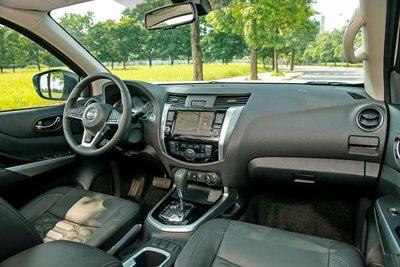 Chốt giá 895 triệu đồng, Nissan Navara 4WD 2021 có gì đấu Ford Ranger?a3