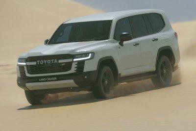 Toyota Land Cruiser 2022 ra mắt, thay đổi cách mạng, đại lý Việt Nam đã nhận cọc giao xe tháng 9 năm nay a2