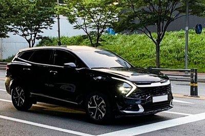 """Ngắm Kia Sportage 2022 """"bằng xương, bằng thịt"""" ngoài đời thực, sẽ gây khó cho CX-5, CR-V khi về Việt Nam a1"""