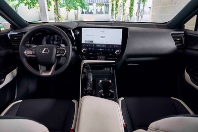 Nội thất Lexus NX 2022.