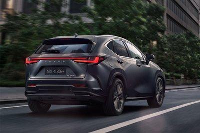 thiết kế đuôi xe Lexus NX 2022.