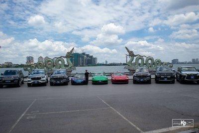Dubai thu nhỏ với dàn siêu xe hơn trăm tỷ tại Hà Nội cổ vũ ĐTVN trước giờ xung trận đấu UAE A10