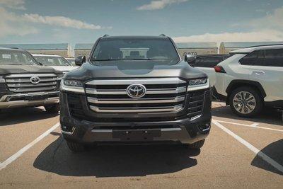 """Người đầu tiên """"bóc tem"""" Toyota Land Cruiser 2022: Quá nhiều điểm mới bất ngờ a2"""