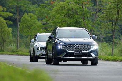 Hyundai Santa Fe 2021 là phiên bản nâng cấp giữa vòng đời với sự thay đổi mạnh mẽ về thiết kế 1