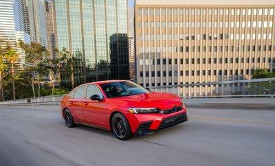 Honda Civic 2022 Sedan nâng cấp mới chào giá từ 503 triệu đồng.