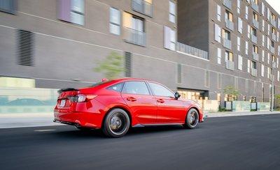 Honda Civic 2022 Sedan mới năng động, hấp dẫn và thể thao hơn.