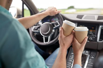 Một ly cafe trước khi lái xe cũng rất tốt cho việc giữ tỉnh táo.