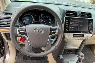 Toyota Land Cruiser Prado đăng ký 2021, chạy lướt bán lại đắt hơn giá niêm yết, có đáng mua a5