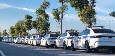 Dàn xe VinFast sử dụng cho lực lượng cảnh sát Việt Nam xuất hiện ấn tượng trên đường phố - Ảnh 1.