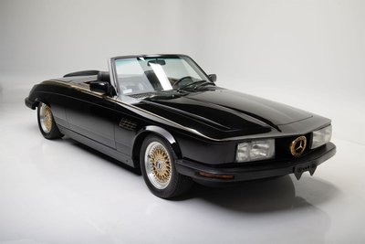 Chiếc Mercedes-Benz 380 SL đời 1981 có giá 84.700 USD.