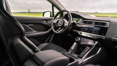 Jaguar I-Pace 2022 mới ứng dụng loạt công nghệ lái tiên tiến.