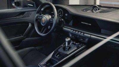 Porsche 911 GT3 Touring 2022 hứa hẹn mang đến cảm giác lái tuyệt đỉnh hơn nữa.