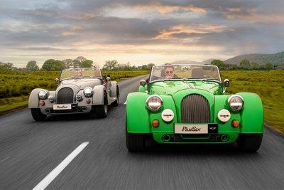 Chiếc xe bốn bánh đầu tiên được xuất xưởng năm 1935.