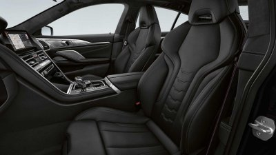 BMW 8-Series Frozen Black Edition sang trọng và hiện đại.