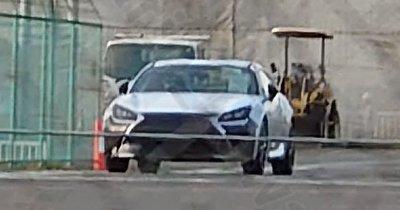 Lexus UC lộ diện, ra mắt vào cuối năm nay.